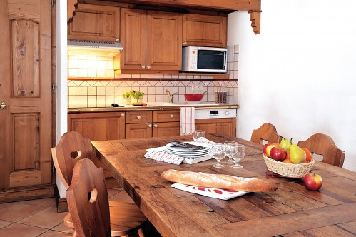 Kitchenette in the 2 bedroom apartment - Le Cristal d'Argentière