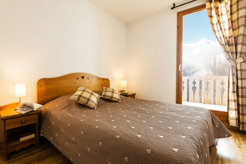 L'Arollaie Peisey Vallandry Double bed