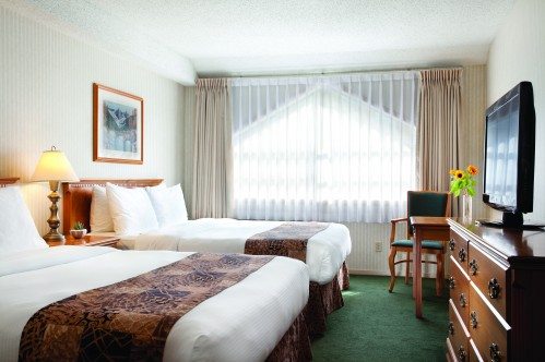 Queen Deluxe Rooms - Listel Hotel Whistler
