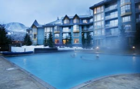 Cascade Lodge Outdoor Heated Pool