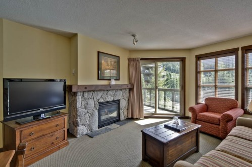 1 Bedroom Suite - Coast Blackcomb Suites at Whistler