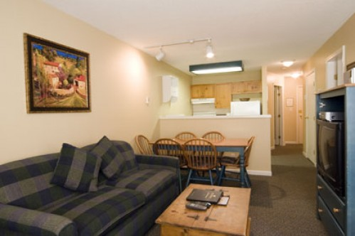 One Bedroom Den Apartment - Marketplace Lodge - Whistler - Canada