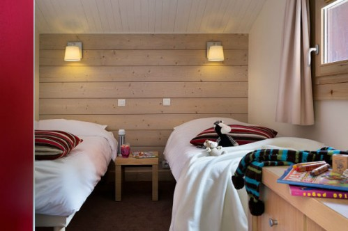 Twin Bedroom-Plagne Lauze-Plagne 1800-France