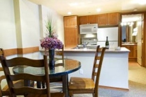 An Idea of a 2 Bedroom Apartment - Whistler Cascade Lodge Hotel - Whistler - Canada