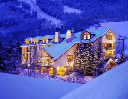Right by the ski slopes the Osprey at Beaver Creek is excellently located.