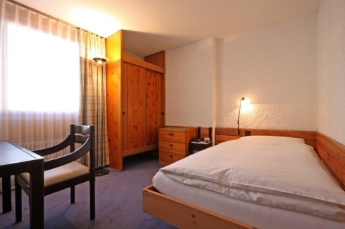 An example of a standard single room at the Hotel Hauser