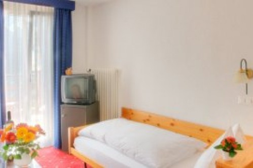 A Superior Single Room - Sunstar Hotel Wengen