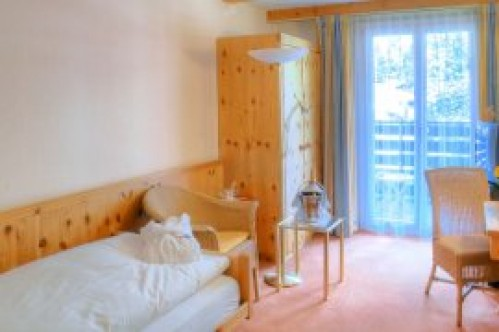 A Standard Single Room - Sunstar Hotel Wengen