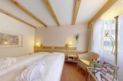 An example of a Standard Twin Room at the at the Hotel Sunstar Park in Davos