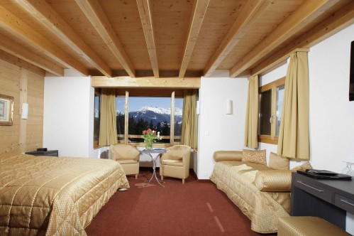 Hotel La Prairie Crans Montana Superior South Room