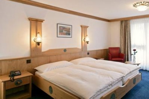 A Double or Twin Room - Hotel Couronne - Zermatt - Switzerland