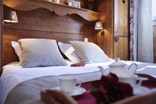 Double Bedroom-Les Fermes de Meribel-Meribel-France