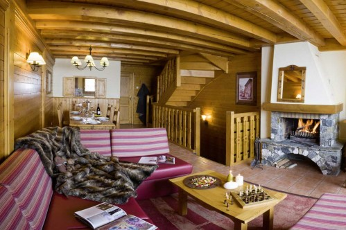 Four Bedroom Cabin Apartment - Le Hameau de la Sapiniere - Les Menuires - France; Copyright: E. Perdu