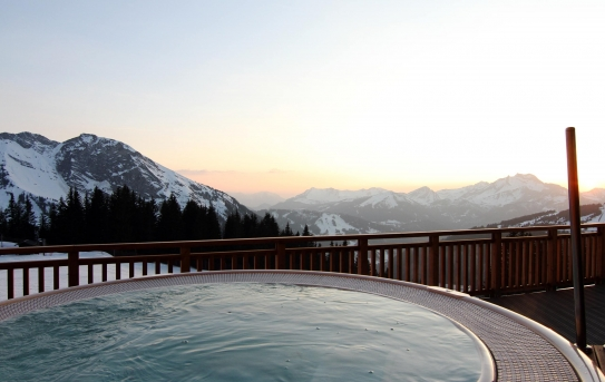 The Outdoor Hot Tub at L'Amara