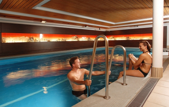 Swimming Pool - Ramada Hotel Regina Titlis - Engelberg