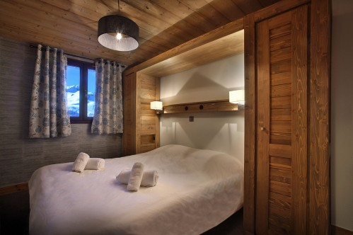 Double bed in Arolles Chalett des Neiges