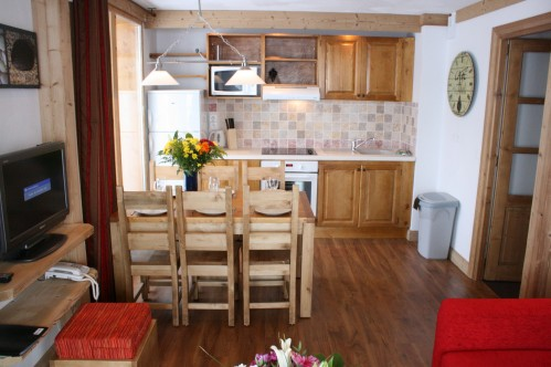 1 Bedroom Cabin Apartment - sleeps 4-6