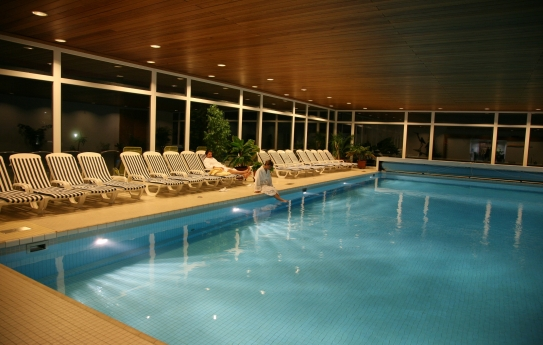 Indoor Swimming Pool - Sunstar Hotel Wengen - Wengen