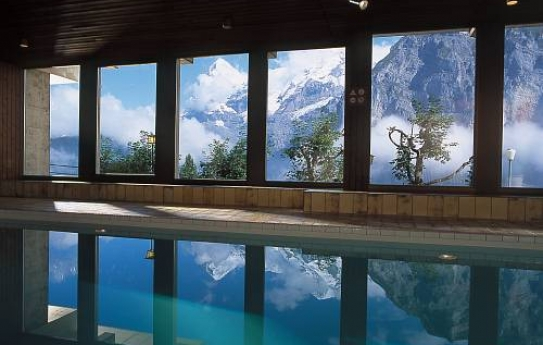 Indoor Pool with a view - Hotel Eiger - Murren