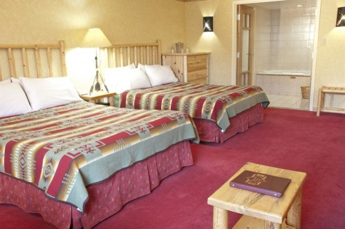 Double Room at Brewsters Mountain Lodge - Banff