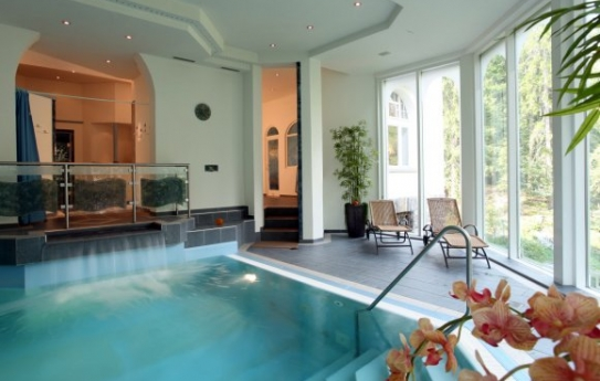 Indoor Pool - Sunstar Hotel Flims - Flims