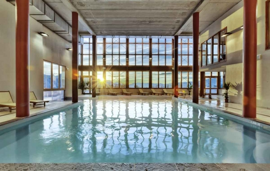 Indoor Pool - EdenArc 1800