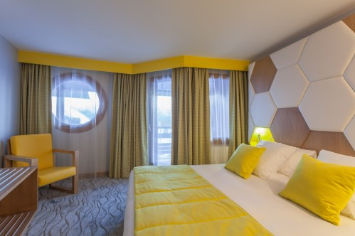Hotel Royal Ours Blanc Alpe d'Huez  example of a superior room