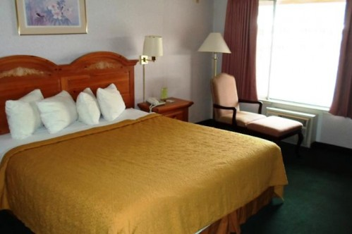 Standard King Room at Quality Inn and Suites Lake Tahoe - Heavenly