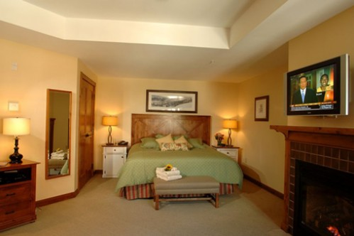 Deluxe Studio Room at the Lodge at Mountaineer Square - Crested Butte