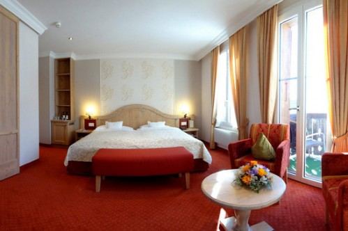Twin/Double Room at the Romantik Hotel Schweizerhof - Grindelwald - Switzerland