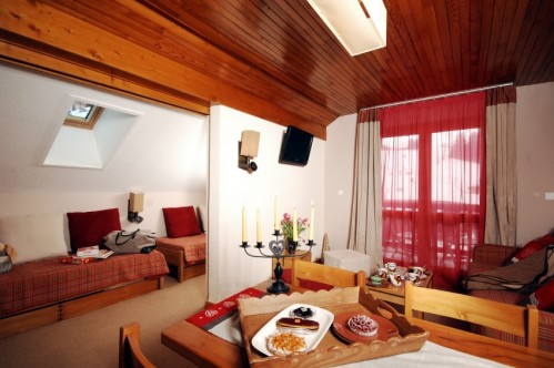 Le Grand Chalet des Pistes Meribel 2 bed