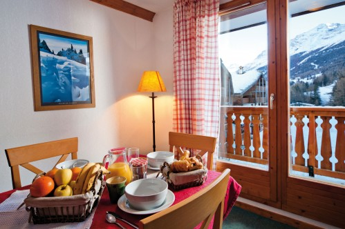 Les Valmonts De Val Cenis Apartment Dining