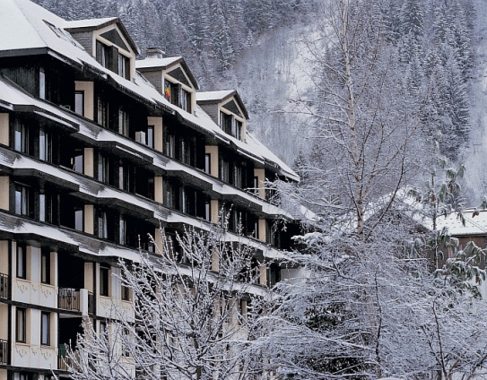 Accommodation and ski slopes-Le Chamois Blanc-Chamonix-France