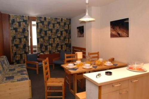 Val Claret, 1 Bedroom Apartment - Sleeps 5 - Tignes