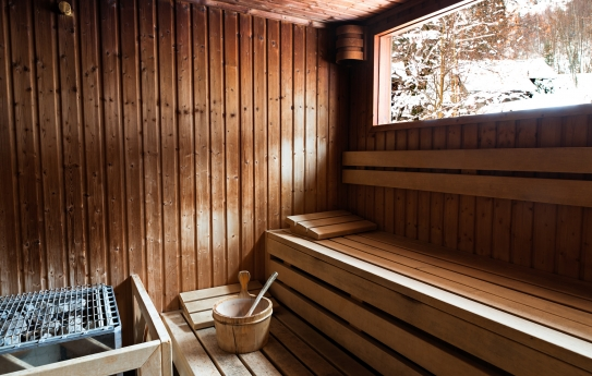 Traditional wooden sauna relaxation wellness Le Refuge des Aiglons Chamonix; Copyright: Yoan Chevojon