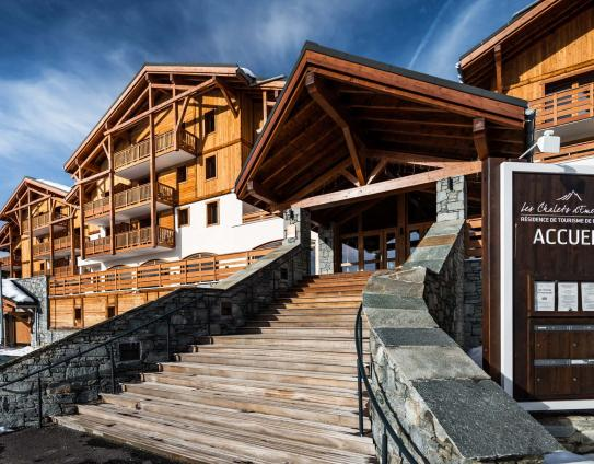 Les Chalets d'Emeraude - Artist impression outside