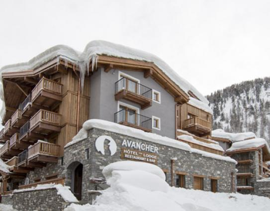 Snowy exterior Hotel L'Avancher Val d'Isere