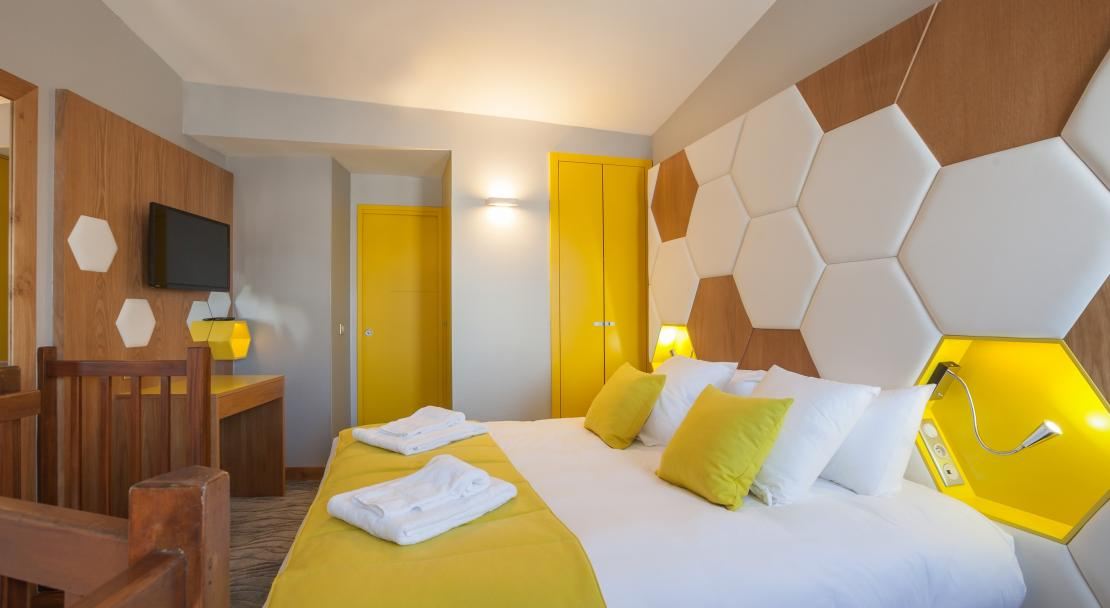 Hotel Royal Ours Blanc Alpe d'Huez  an example of family suite