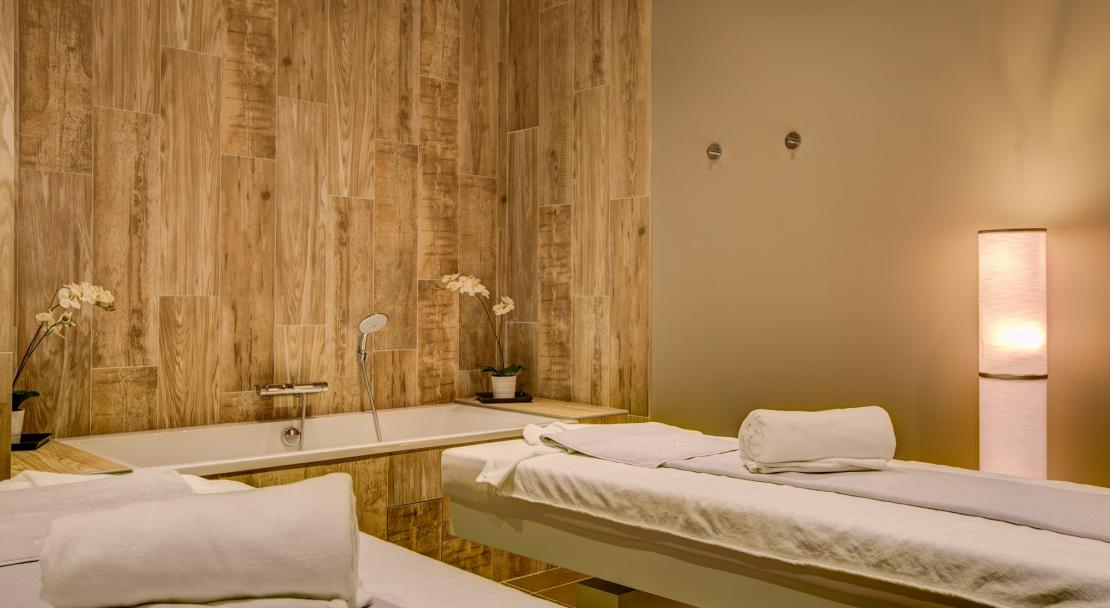 Hotel Royal Ours Blanc Alpe d'Huez  treatment room