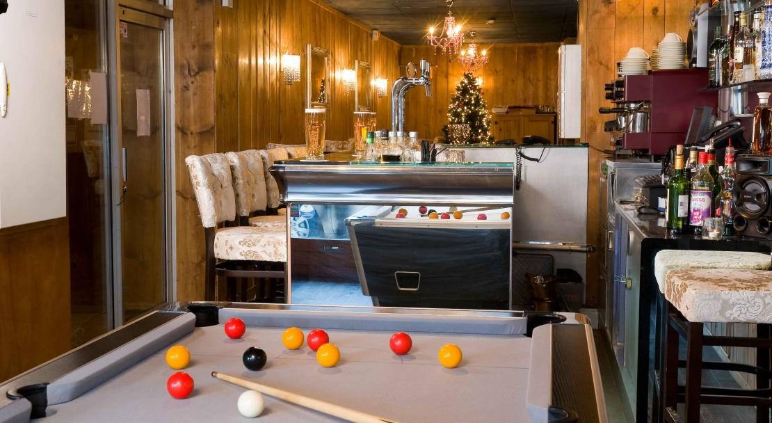 Pool Table Hotel Courchevel Olympic