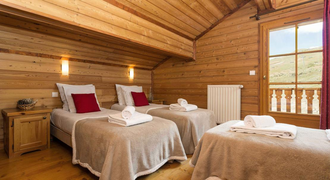 Triple bedroom Altiport; Copyright: Madame Vacances
