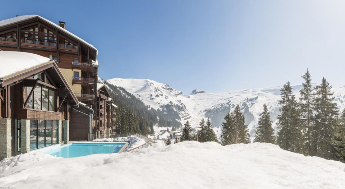 Exterior view of Snowy Heated Pool, Flaine, Pierre & Vacances Premium Les Terrasses d'Eos