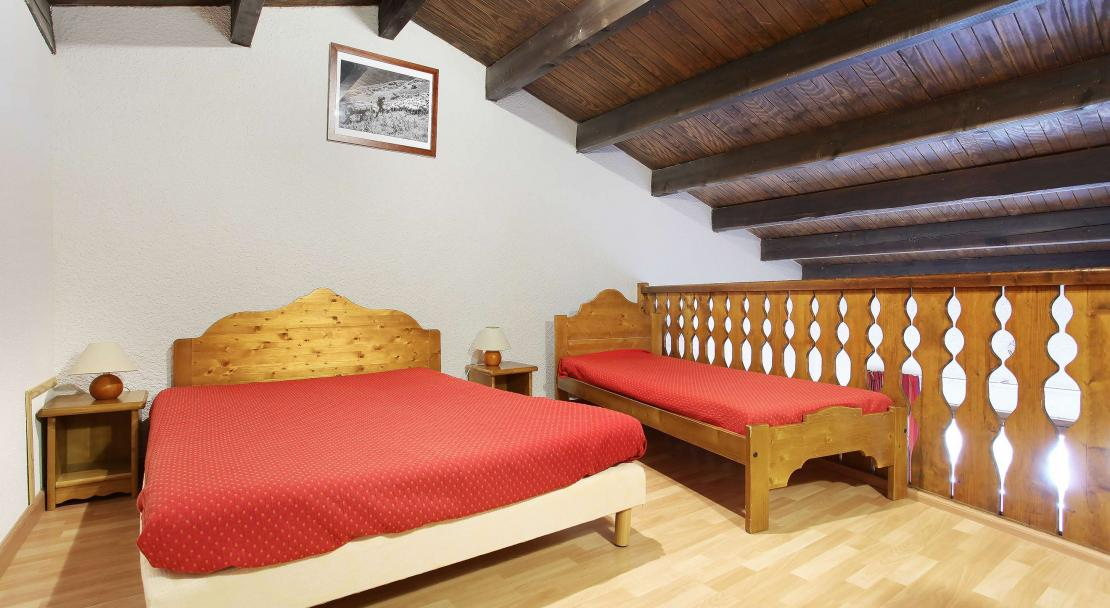 Le Front des Neiges triple bedroom; Copyright: Odalys