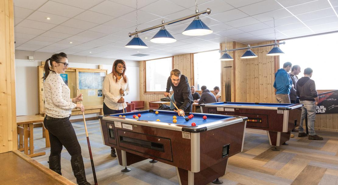 Hameau du Mottaret pool table; Copyright: Odalys