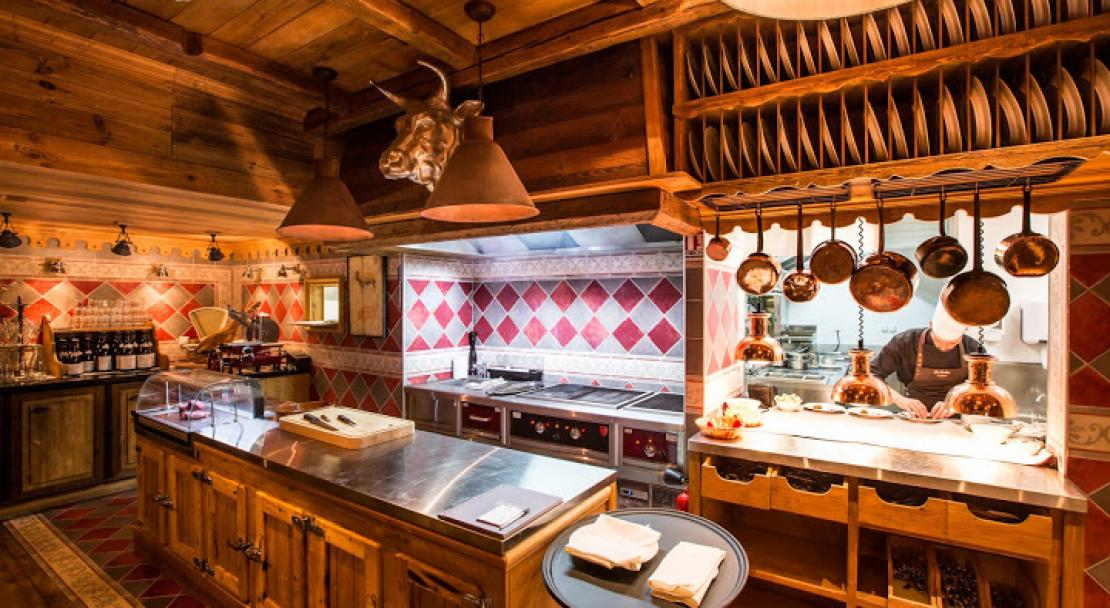 Kitchen in Hotel AlpenRuitor Meribel