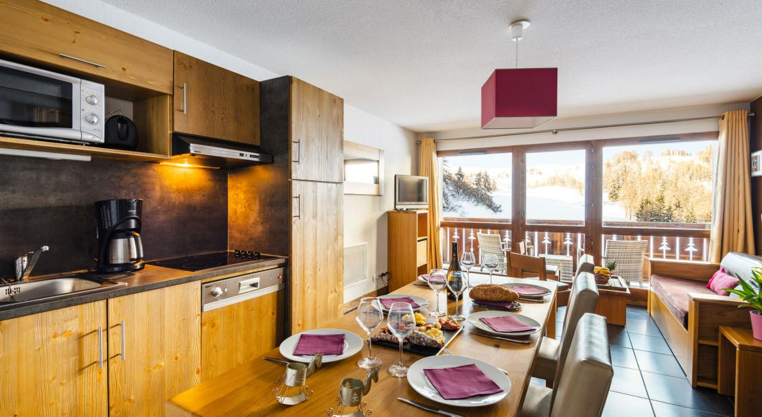Chalets d'Edelweiss La Plagne Dinign table
