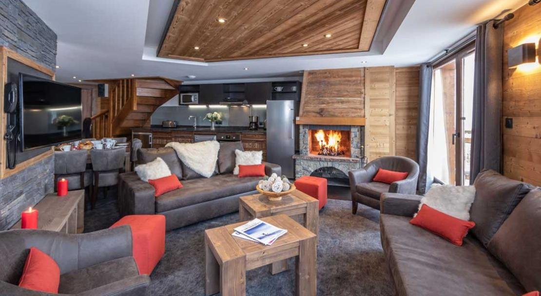 Chalet Altitude living room; Copyright: Chalet Altitude, Val Thorens