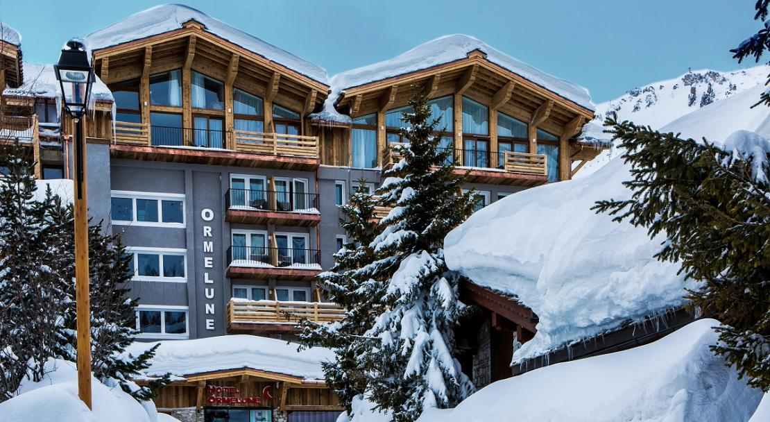 Exterior Hotel Ormelune Snowy Mountains Trees Val d'Isere; Copyright: Gilles TRILLARD