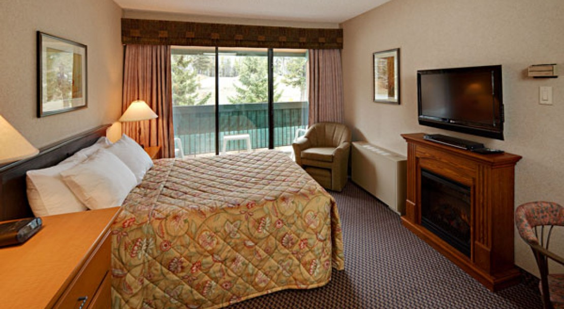 Bachelor Suite - Douglas Fir Resort - Banff