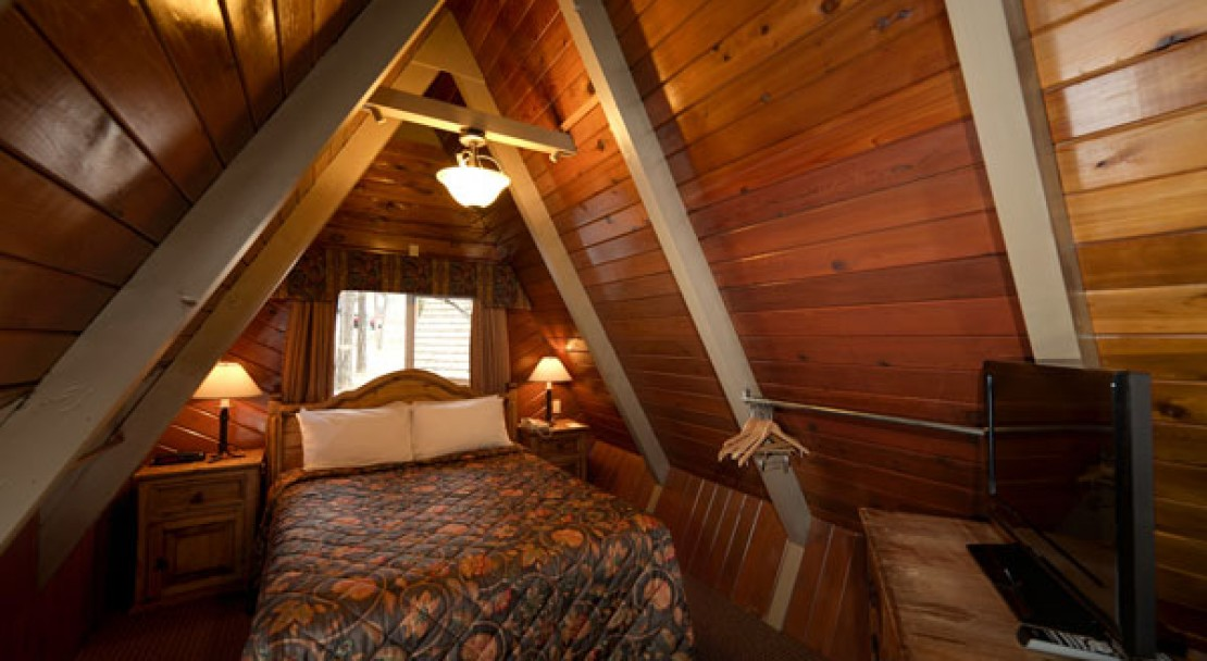 Loft Bedroom - Douglas Fir Resort - Banff